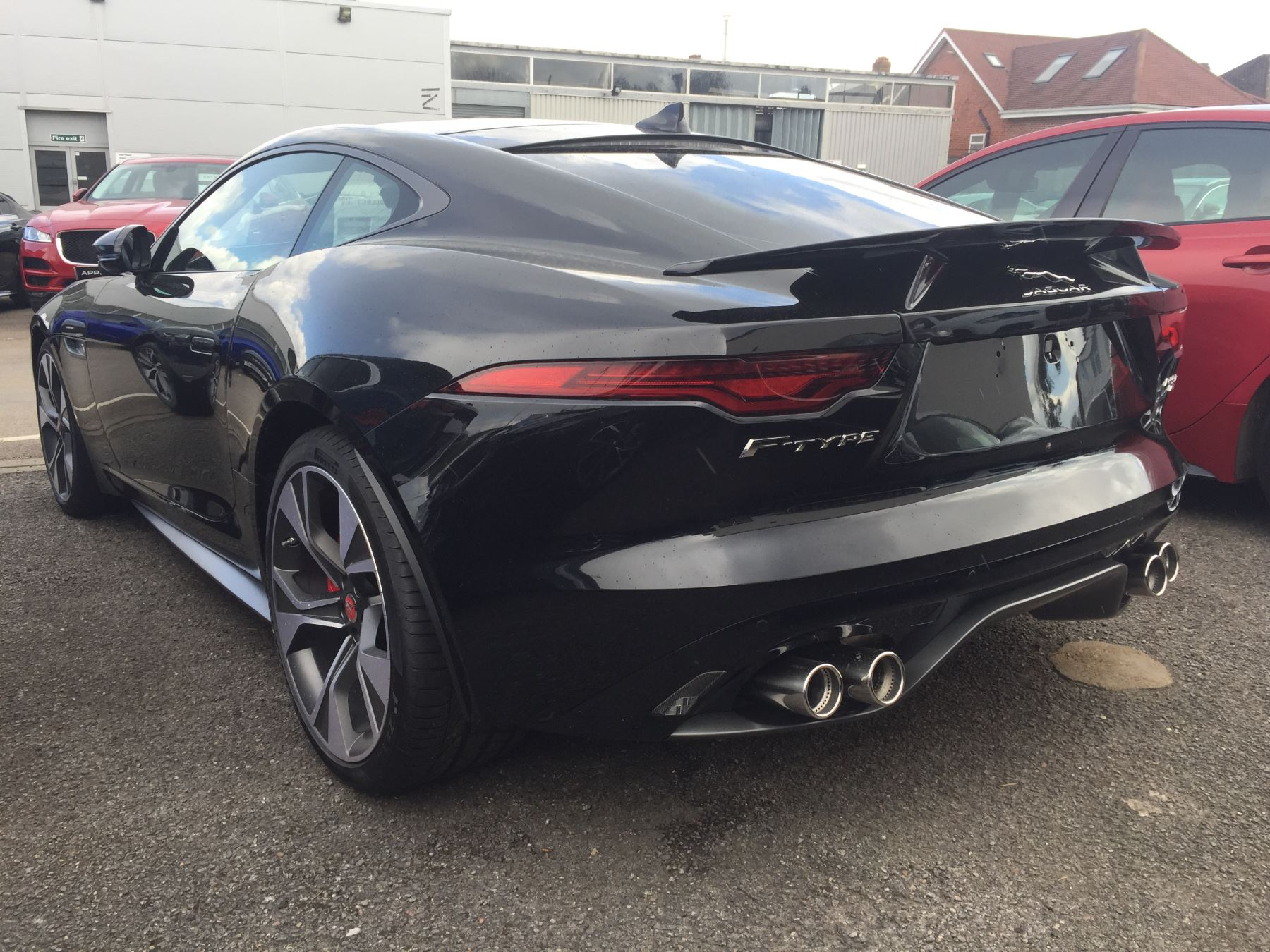 Jaguar F-TYPE 5.0 P450 S/C V8 First Edition AWD SPECIAL EDITIONS image 3